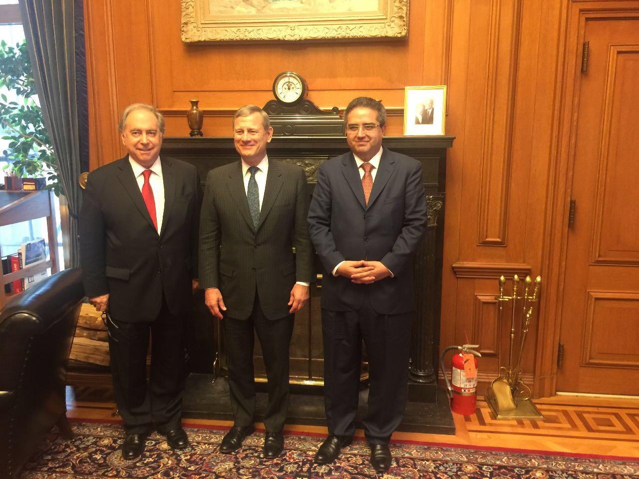 Presidente de la Magistratura visita Corte Suprema de EEUU y se reúne con su Presidente