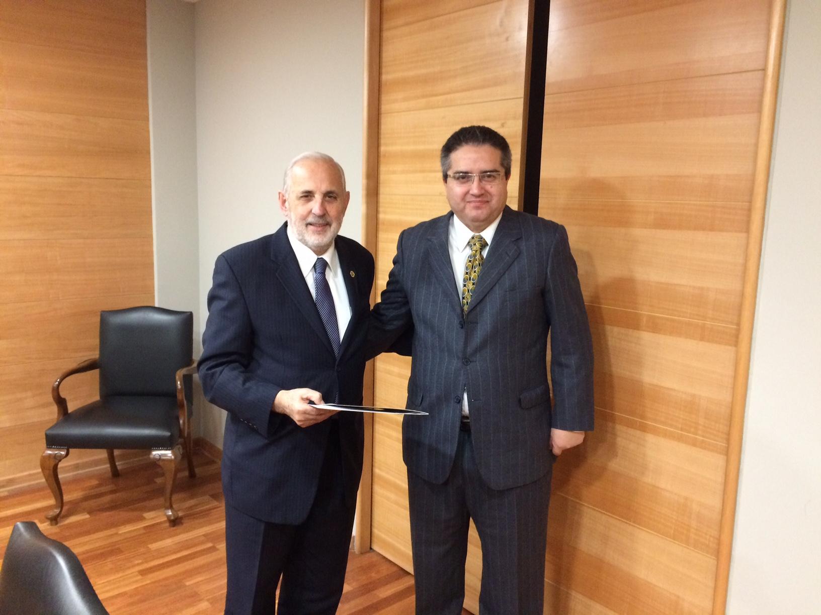 Tribunal firma convenio con Ministerio Público