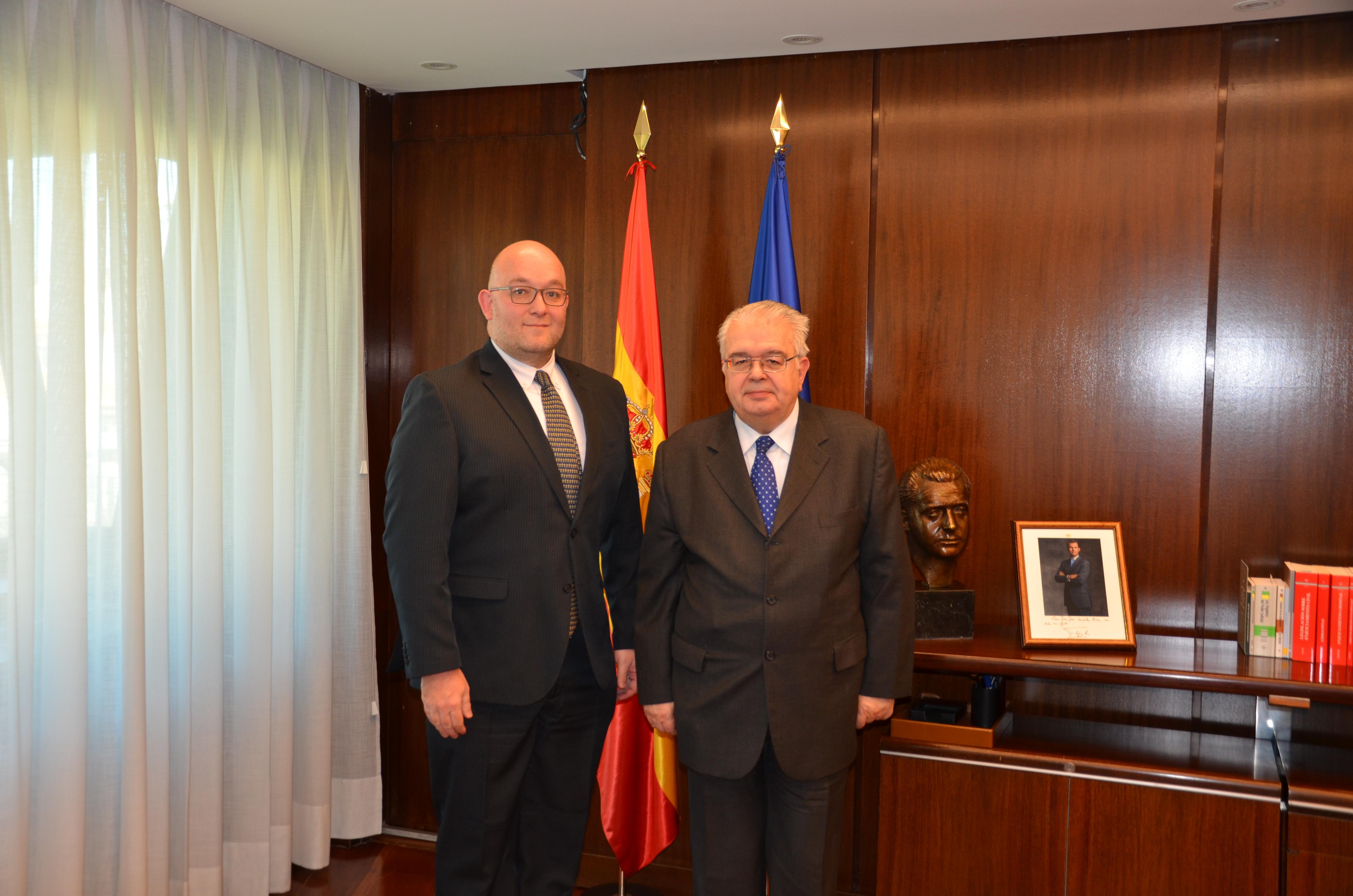 Secretario de esta Magistratura inicia visita de trabajo en el Tribunal Constitucional de España