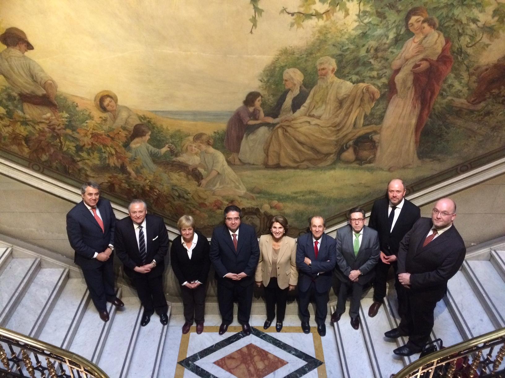 Pleno recibe a ex Directora del Centro de Estudios Políticos y Constitucionales de España