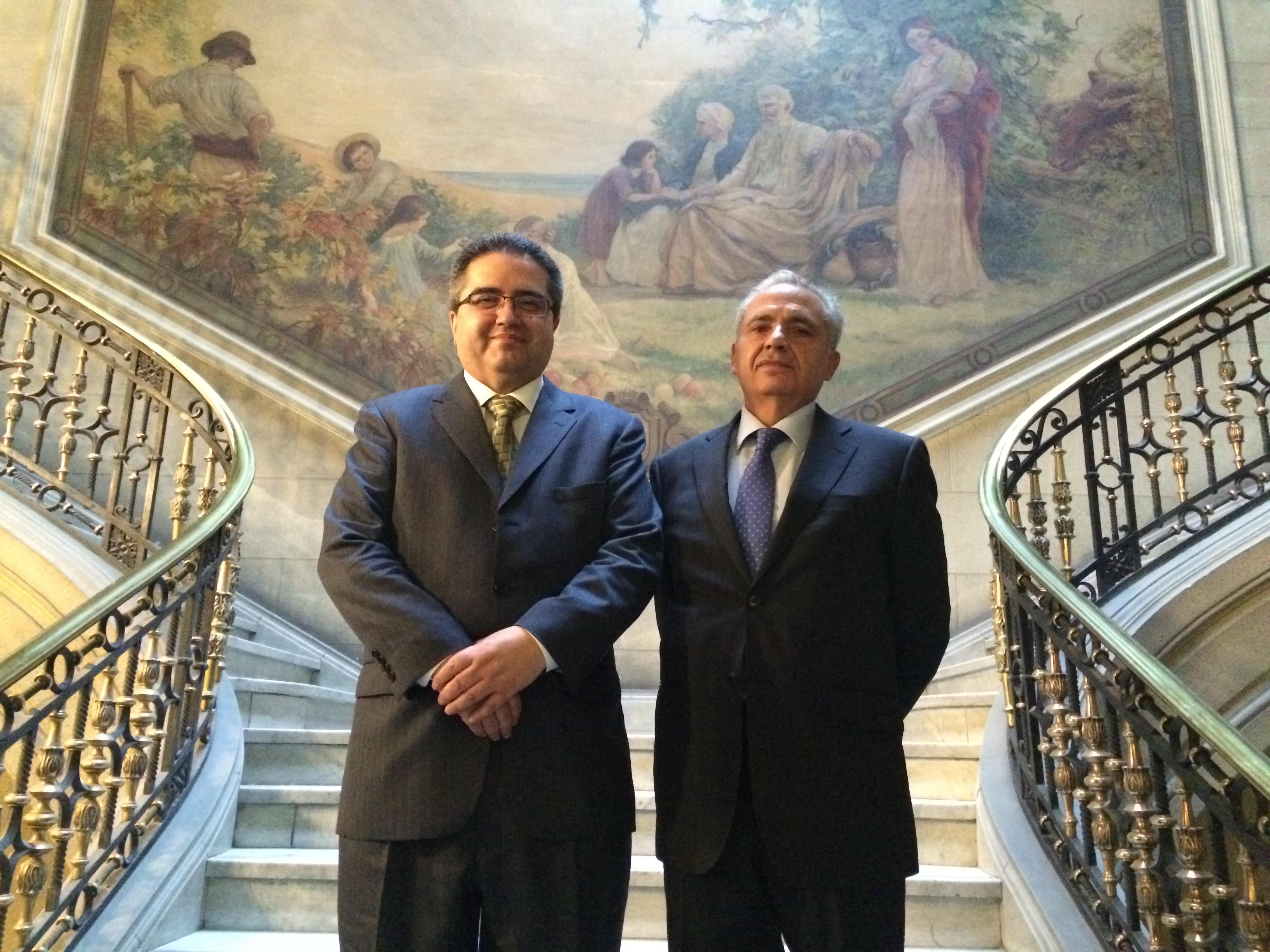 Académico Luciano Parejo visita el Tribunal Constitucional
