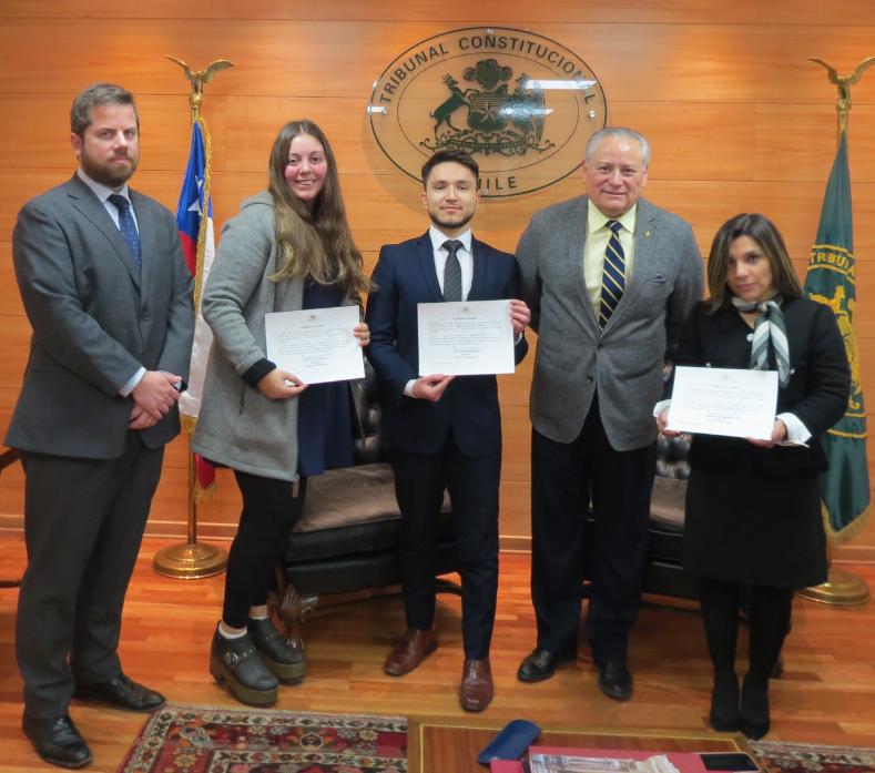 Alumnos de Derecho y Bibliotecología culminan proceso de pasantía y reciben sus certificados
