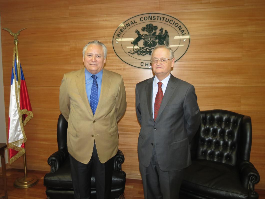 Visita protocolar del Auditor General de la Fuerza Aérea al Presidente del Tribunal Constitucional